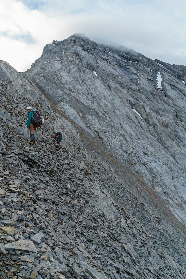 The trick to enjoying yourself on the west ridge is careful route finding on both sides of it.