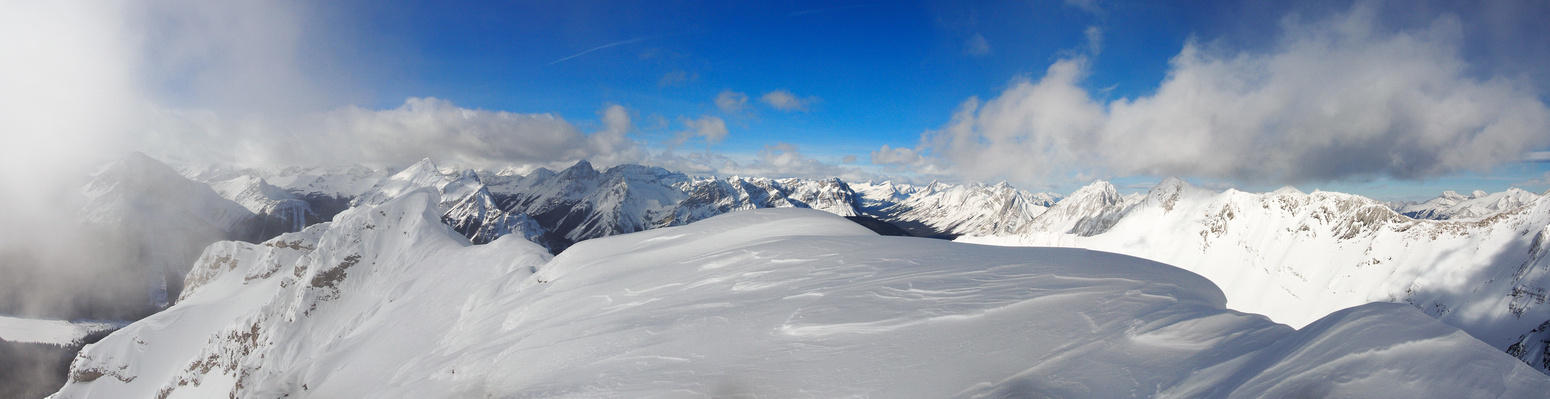 Pano looking north over the summit cornice towards Banff.