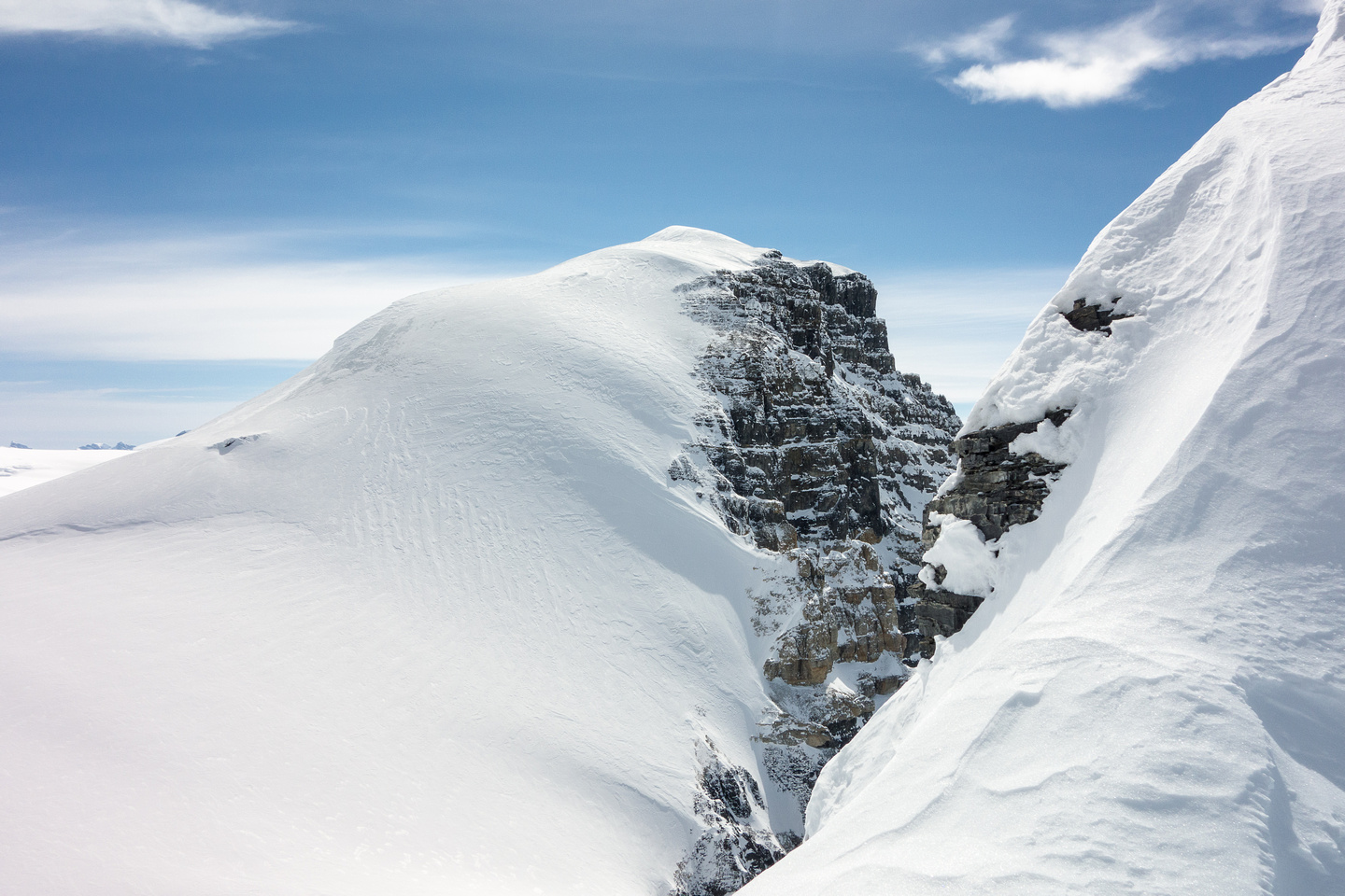 Off the face and looking along the summit ridge over at South Twin. You can spot the rocks we skied to on South Twin and the ice bulge where the crevasse incident happened.