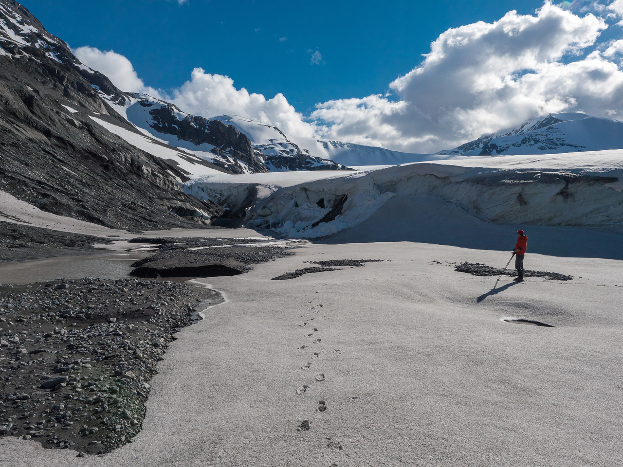 Breaking a track to the glacier to assist our future selves.