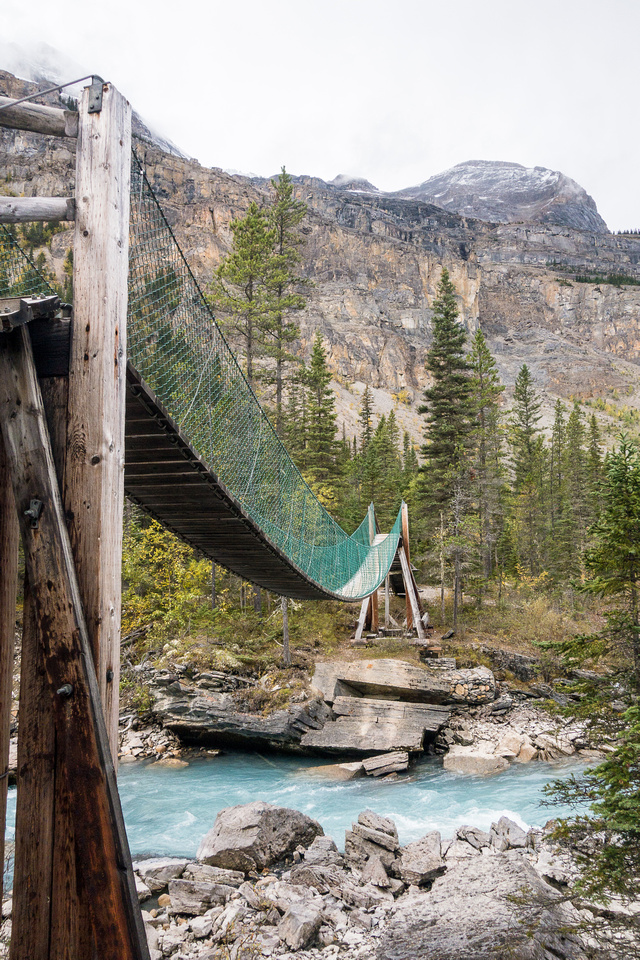 The bridge is a nice touch - it felt a bit safer than the one I crossed on the way to Fortress Lake a few weeks previous.