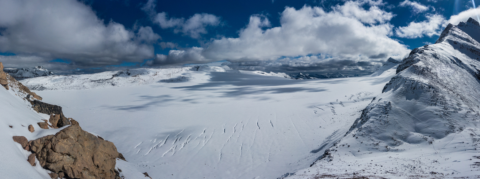 The Reef Icefield to the east of Snowbird Pass with Lynx Mountain rising on the right.