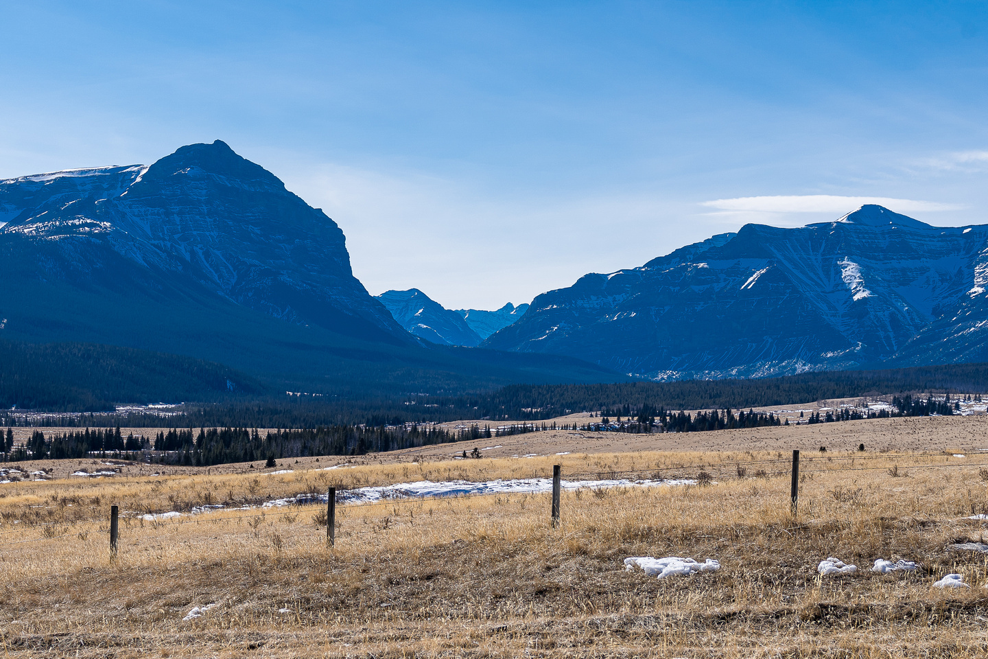 A last look at the Red Deer River gap between Warden Rock and Wapiti Mountain.