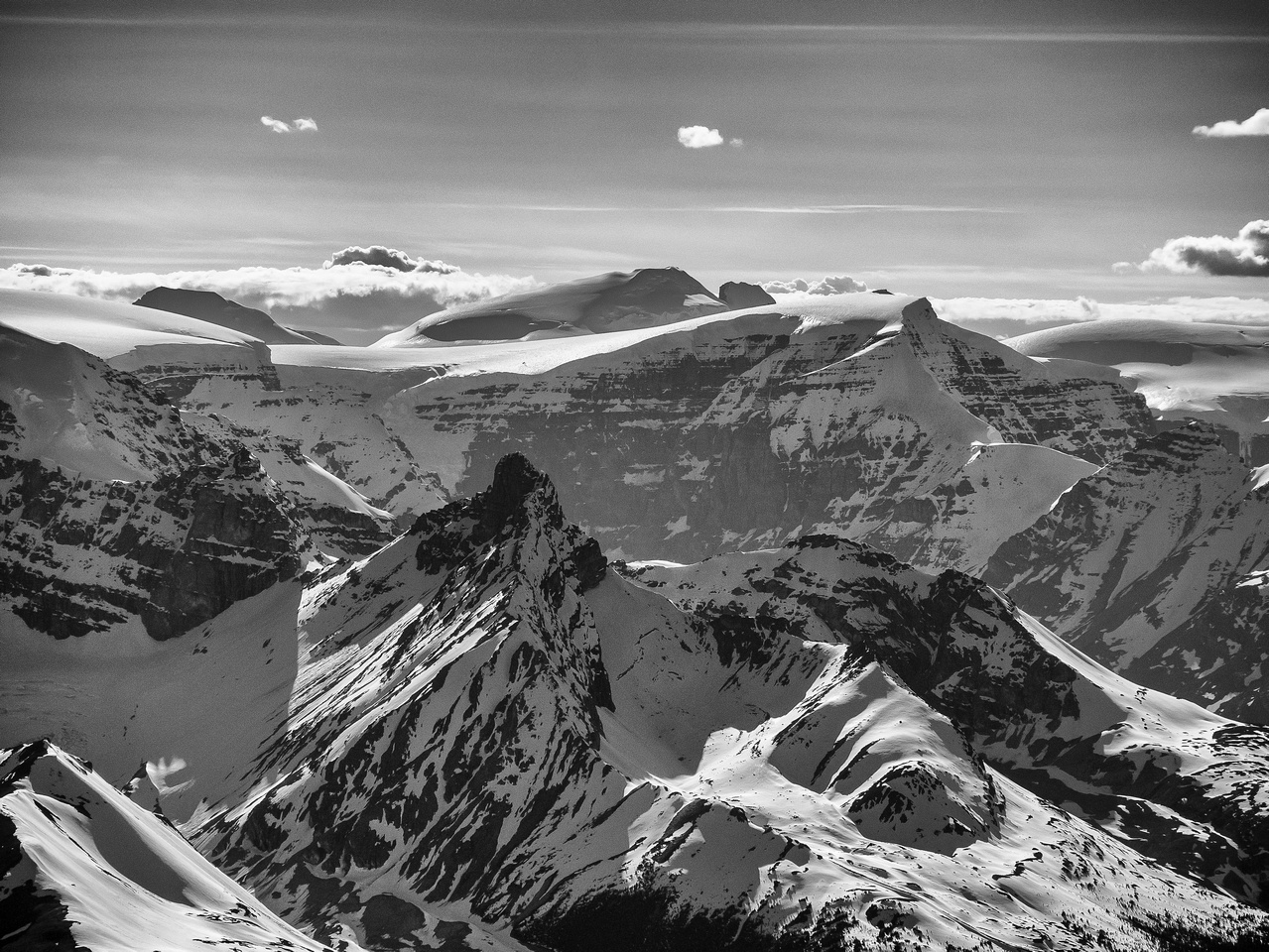 Some familiar Columbia Icefields peak including South Twin, North Twin, Twin's Tower and Kitchener. Hilda Peak in the foreground.