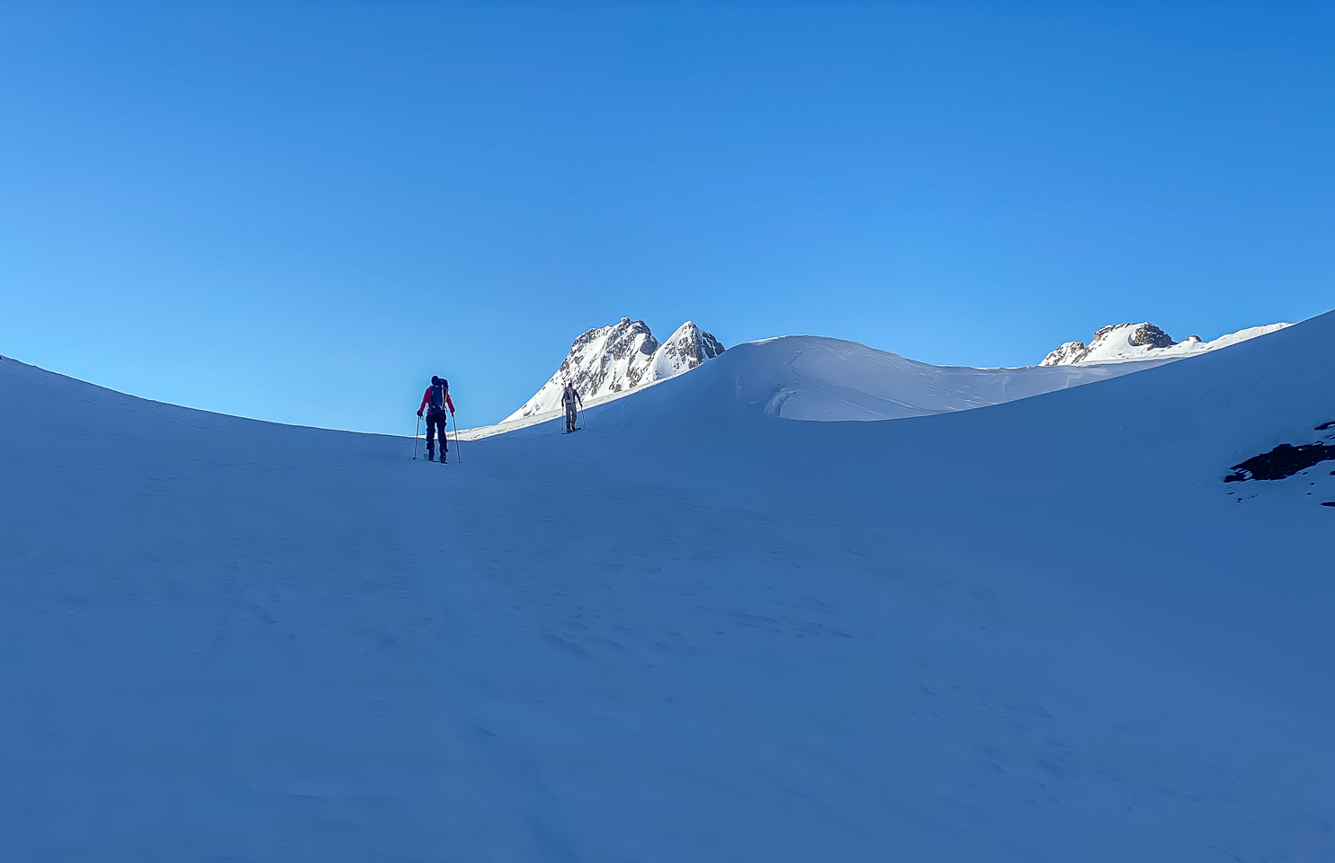 Skiing through the French Col onto the Haig Glacier.