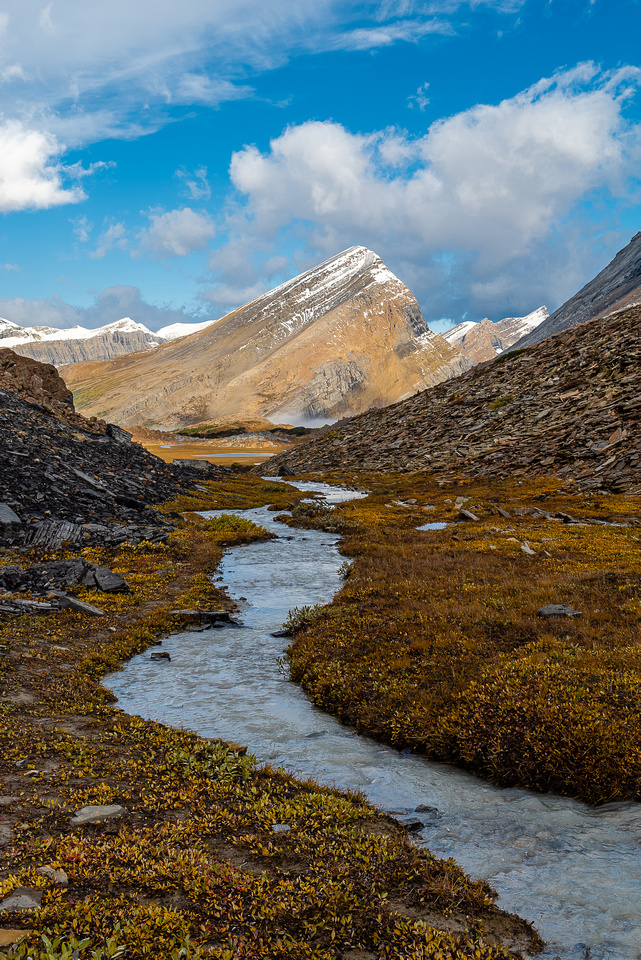 Hiking down the Brazeau River from Cataract Pass.