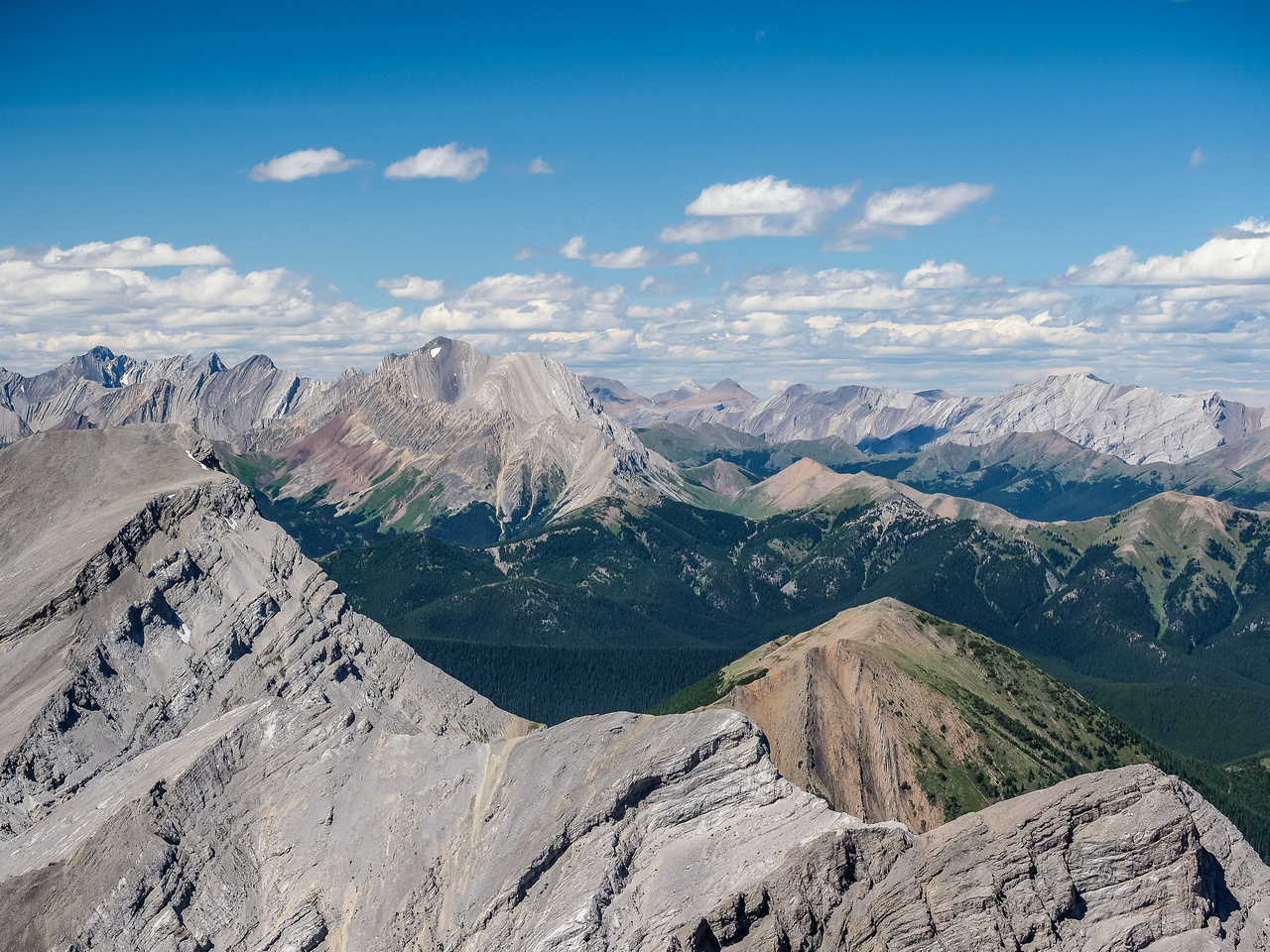 Looking over Horned Mountain and past Mount Bishop towards Mist Mountain.