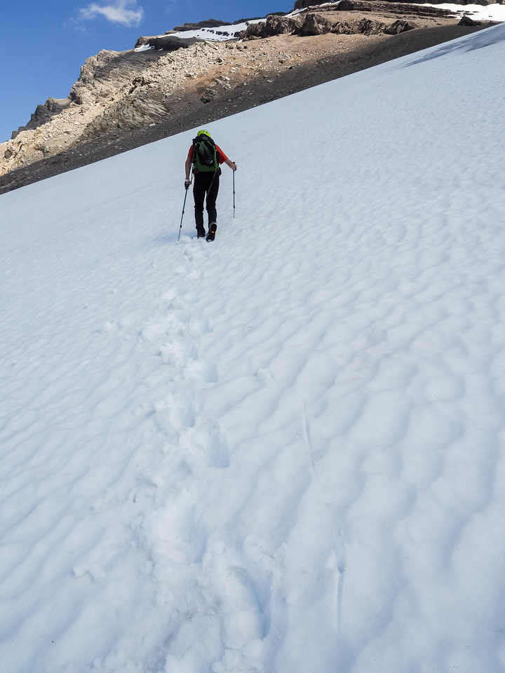 On ascent we utilized the glacier until running into some crevasses.