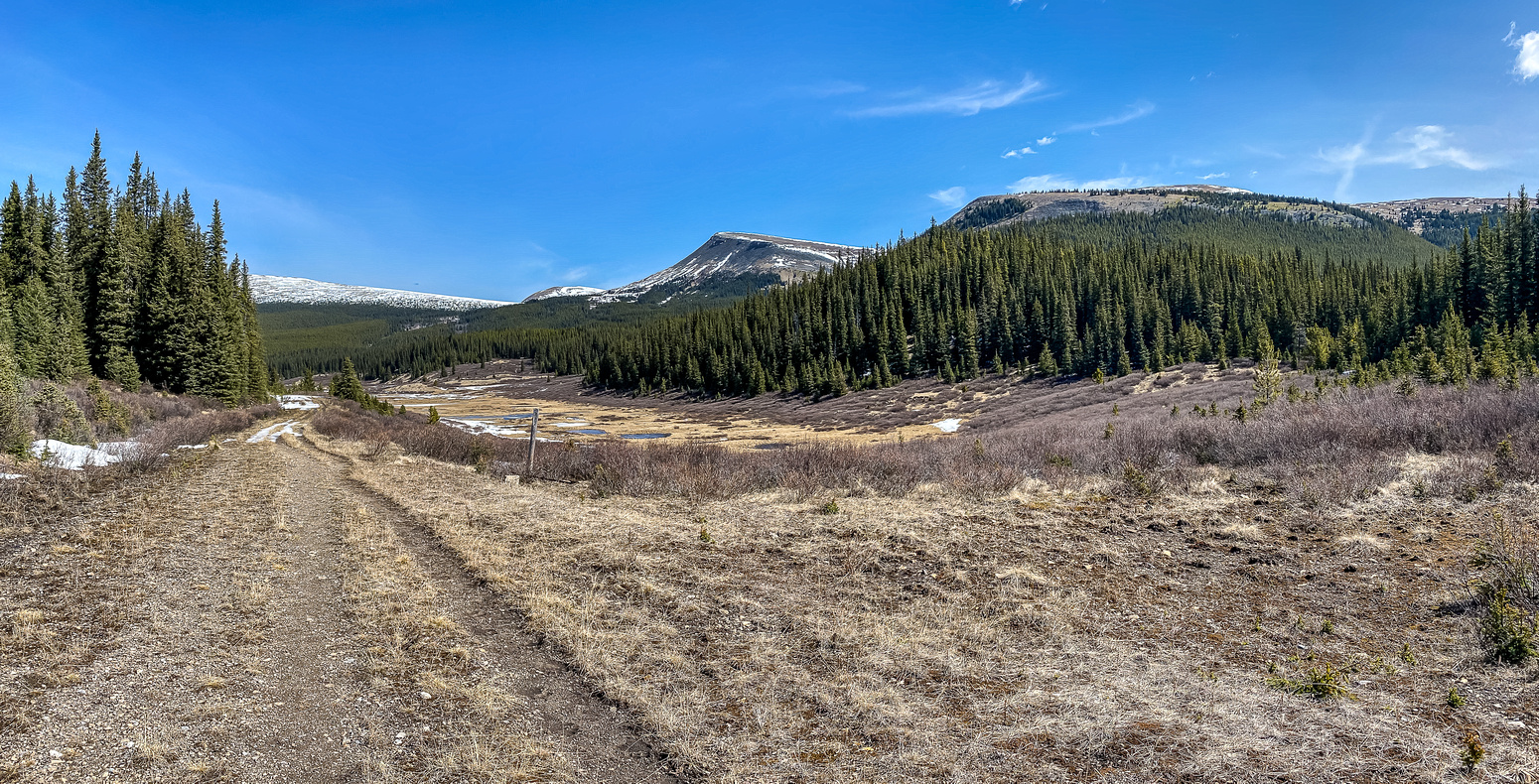 The Skeleton Creek drainage starts NW of Hat Mountain. Scalp's south end at distant left.