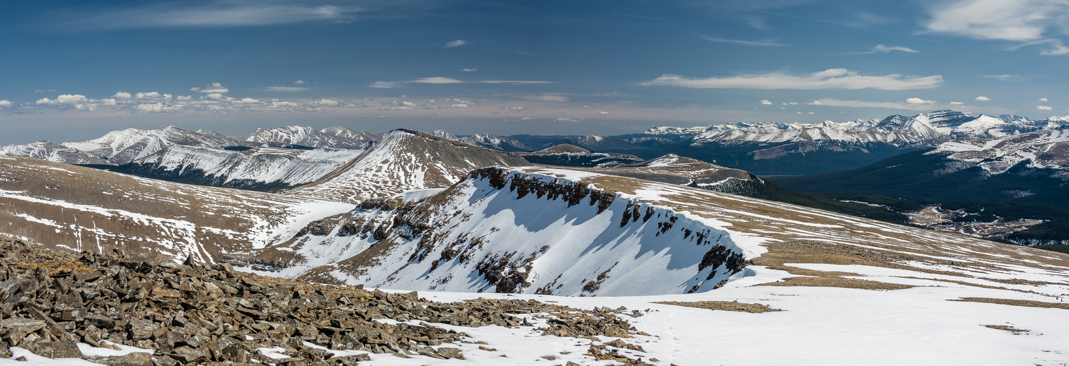 Willson (L), Evangeline, Poplar, Eagle, Hat, Ghost, Barrier and many other Tinda peaks to the south.