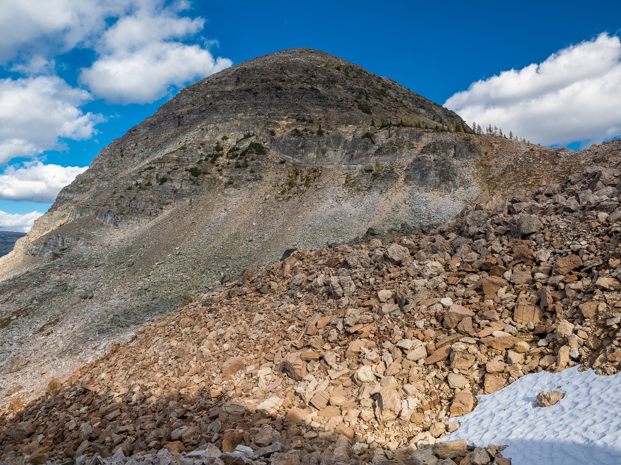 Looking back up at Sugarloaf as we traverse to the Mummy Lake trail.