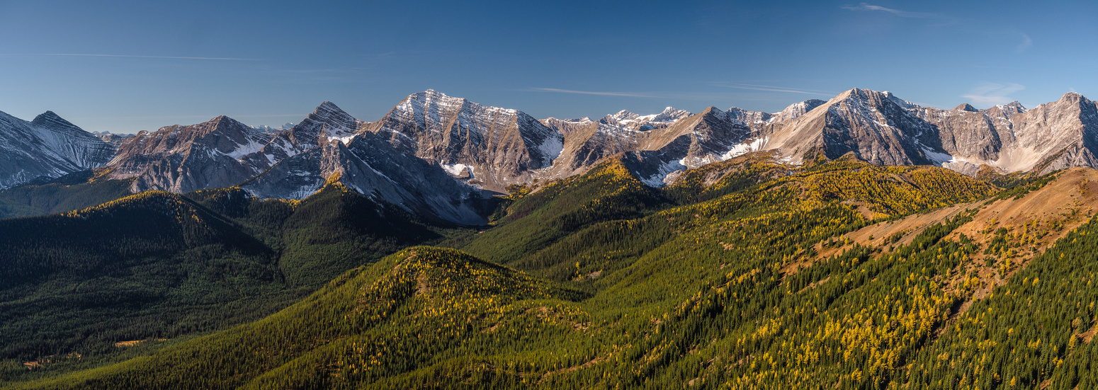 Stunning views over the Divide include Odlum (R) and Loomis (C-L).