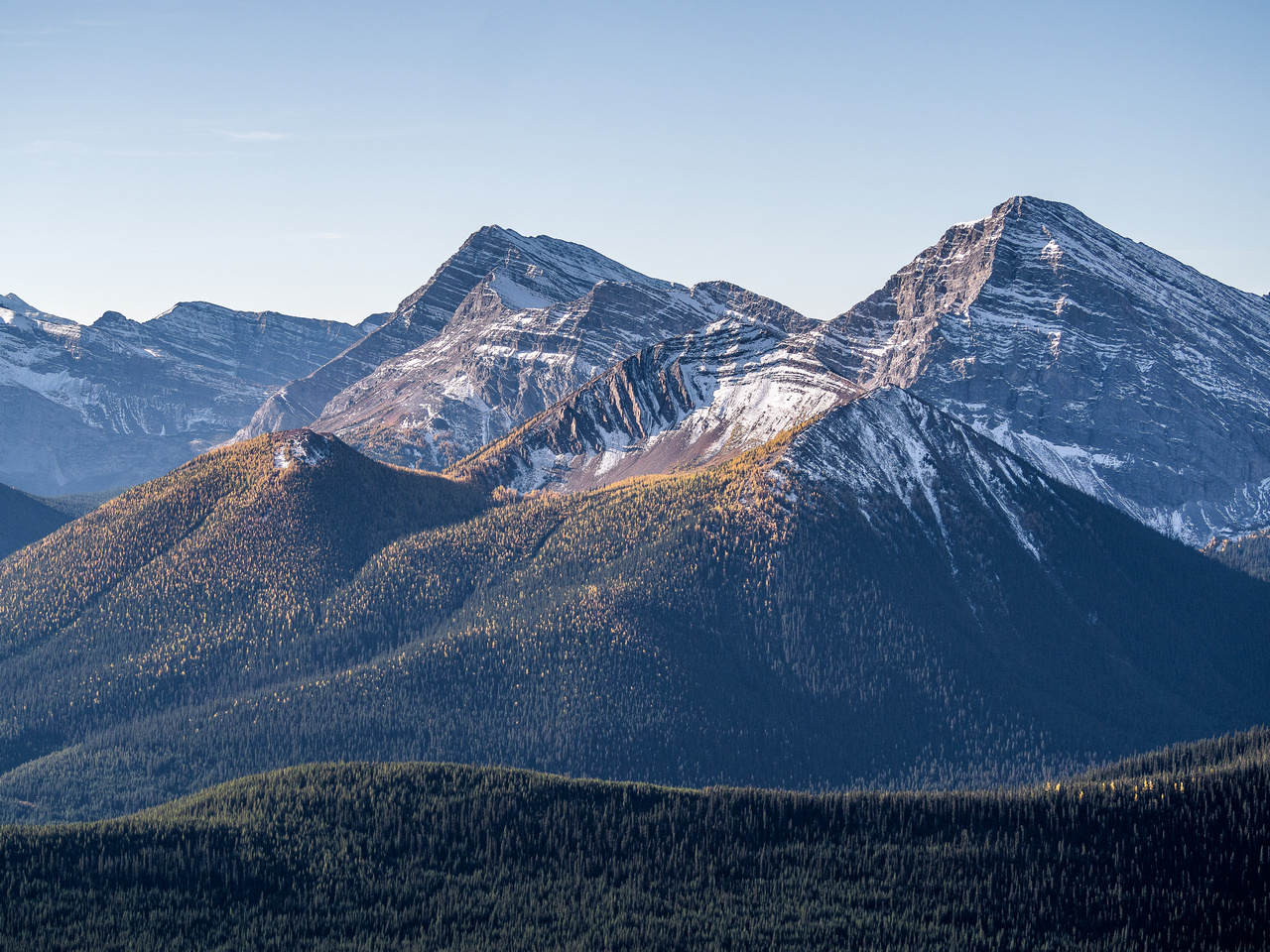 Mount McPhail at left center with Horned to the right and Bishop at far right.