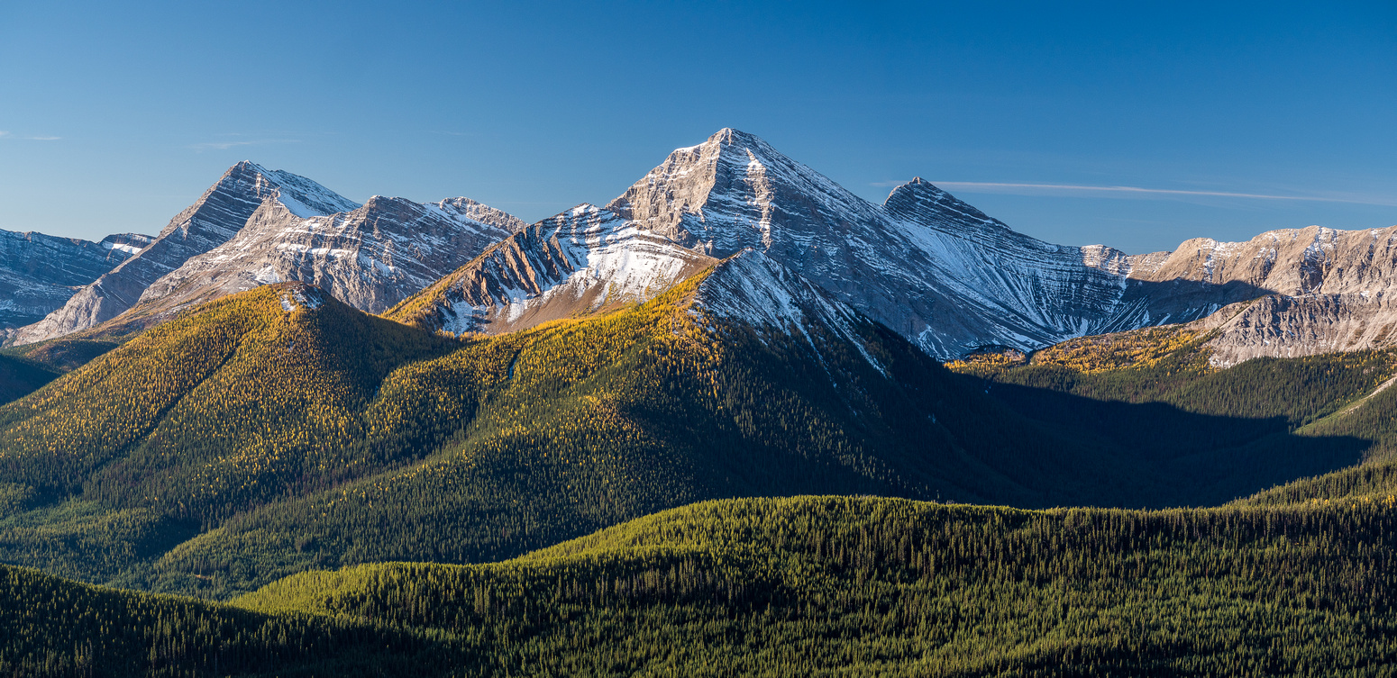 This is why you do Odlum Ridge in late September. Mount Bishop (C) and Mount McPhail (L) with Horned Mountain between them.