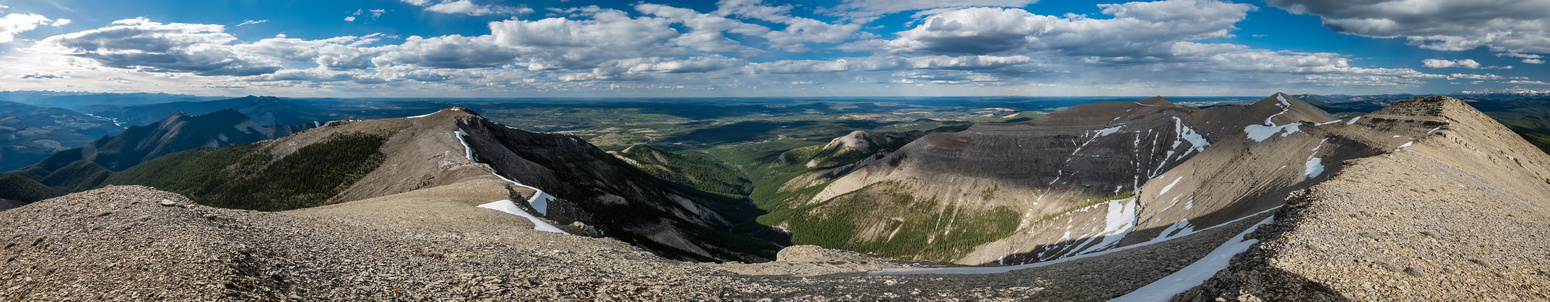 Views to the outlier (L), lookout, SE summit and middle summit (R).