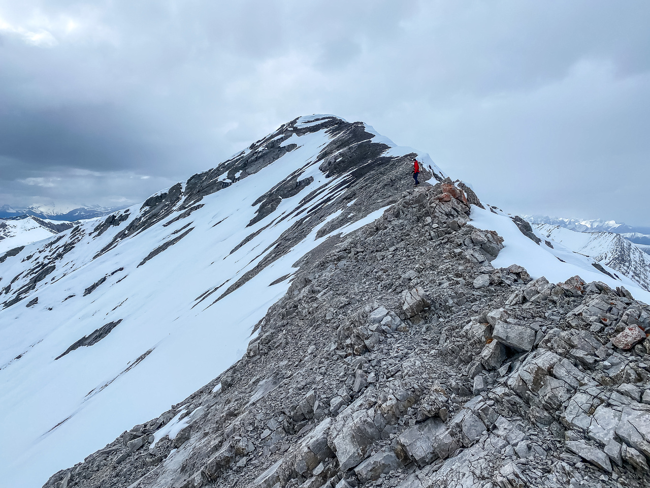 The final ascent to Canary Peak.