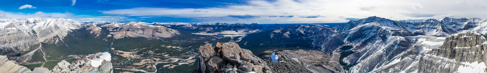 Excellent summit views! This is looking towards Ya Ha Tinda. Wapiti on the L and unnamed on the R. Ascent line is from lower R.
