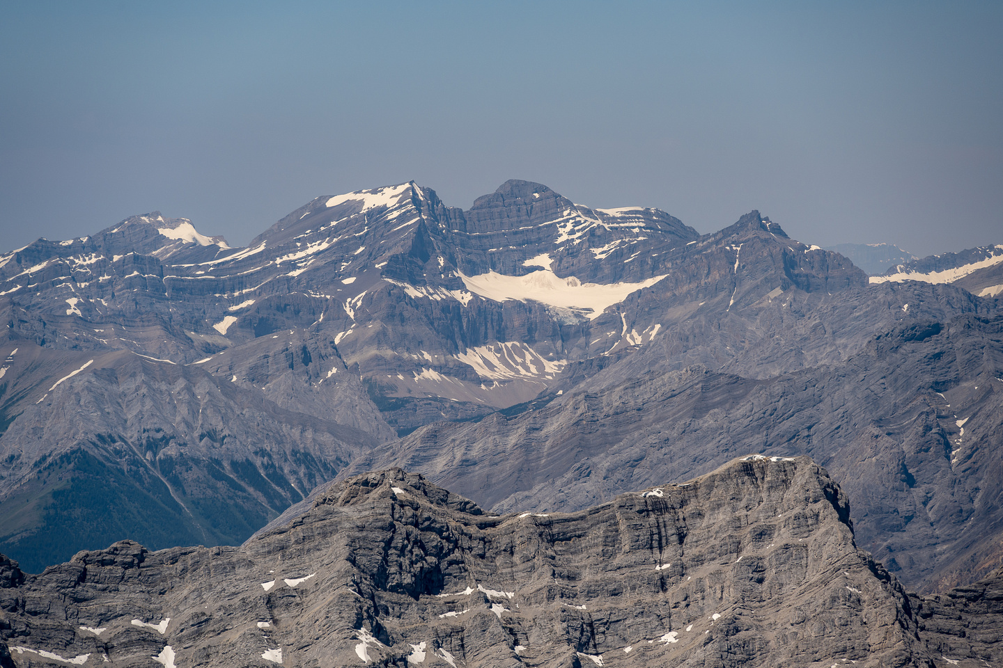 Hickson and the two summits of Bonnet (R).