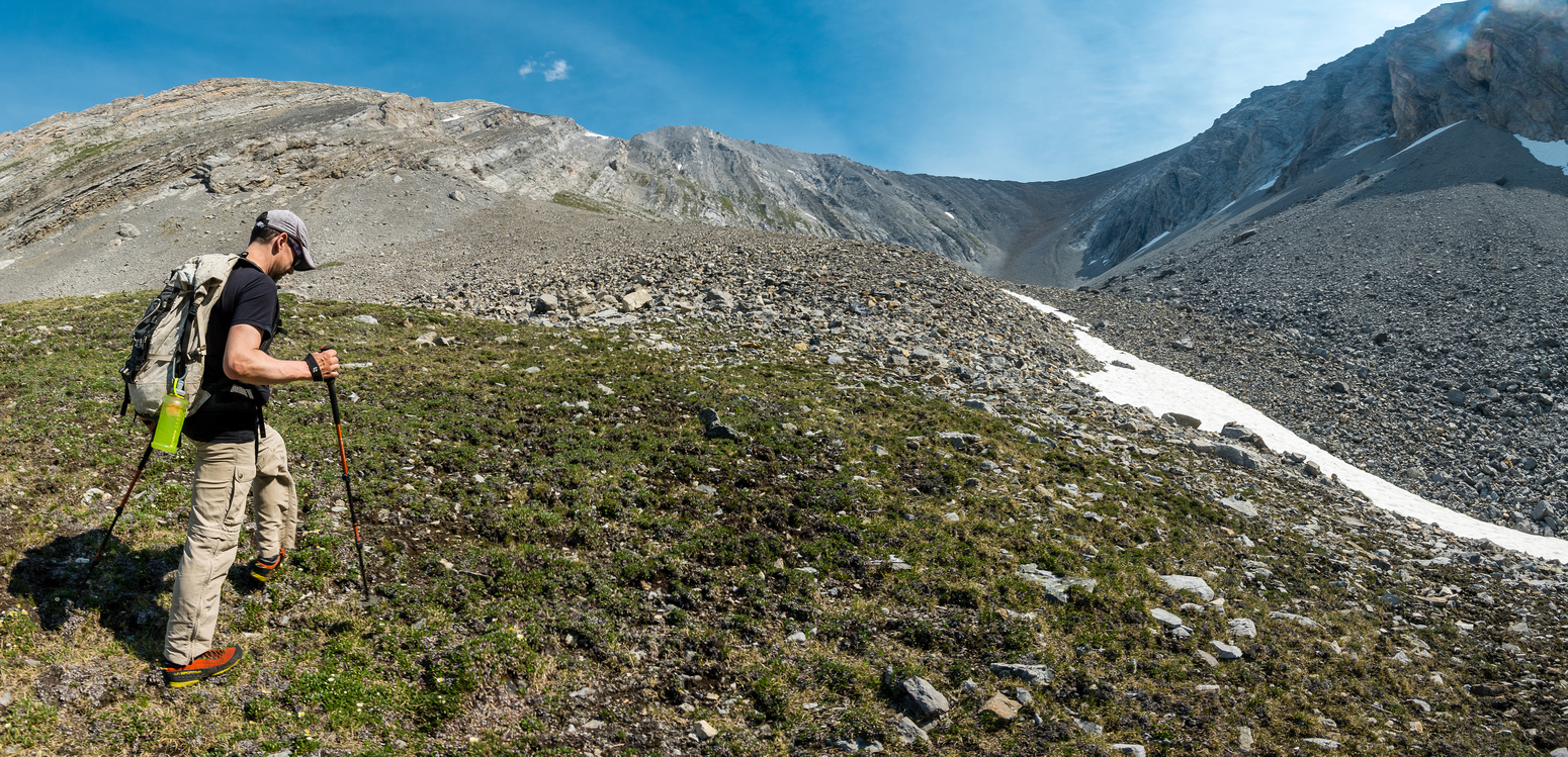 Hiking into the south bowl, our ascent ledges above Wietse.