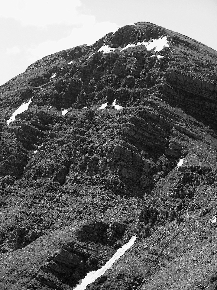 Looking along the NE face of the north ridge (above on the right). Eventually we realized our (my) mistake and went up to the right and back to the ridge proper.