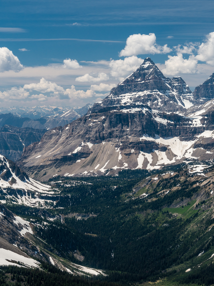 Next to Mount Assiniboine, I find Mount Eon to be one of the more aesthetic peaks in the area. Marvel pass at left with Owl Creek draining Aurora Lake to Owl Lake