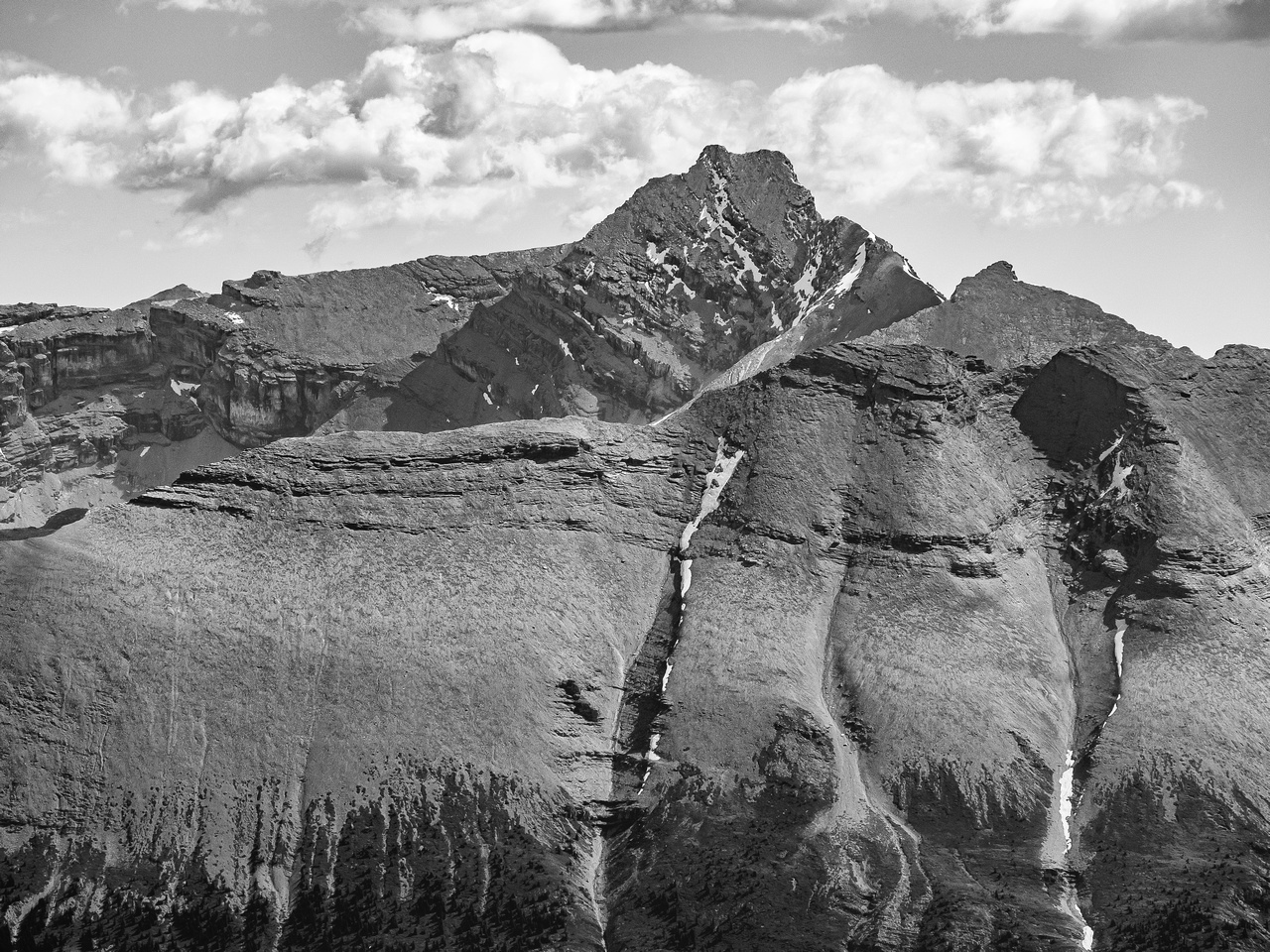 """Simpson (""""Profound"""") Peak is 3275m high and to the north of Recondite."""