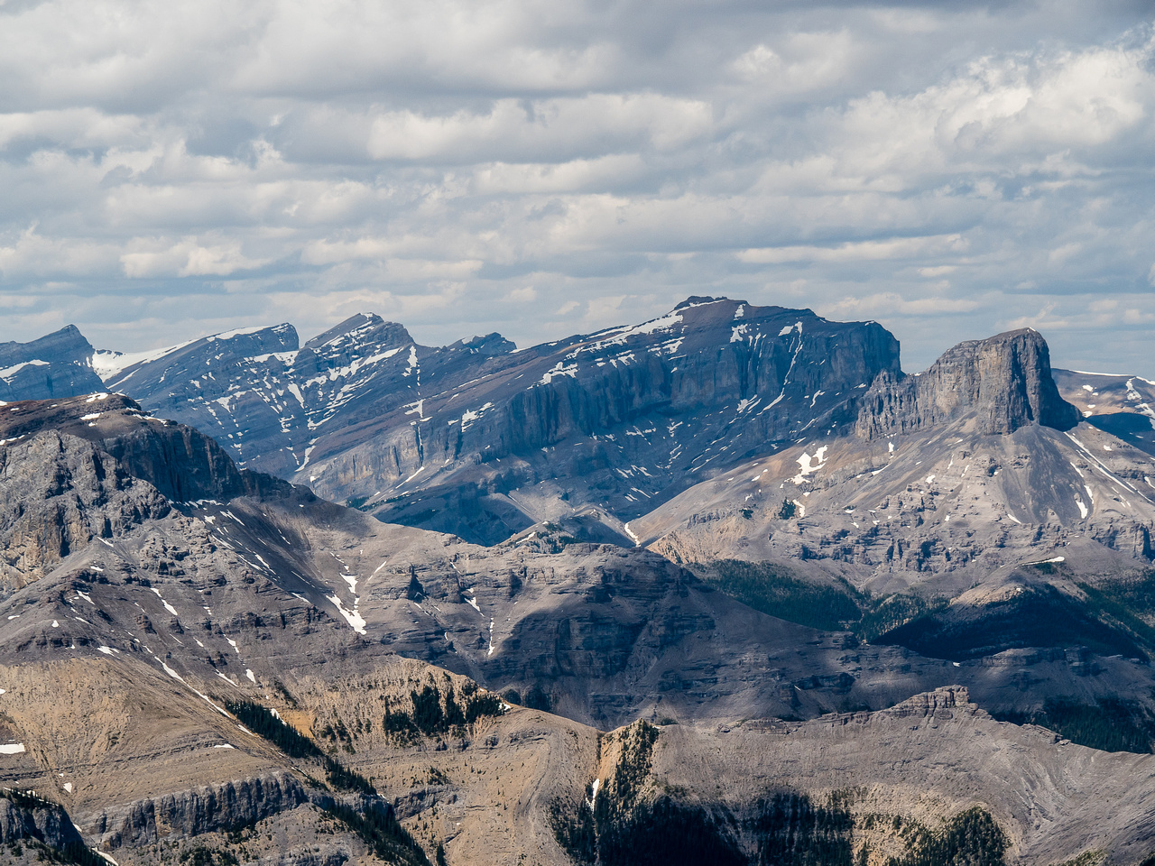 Devil's Head at right with Castle Rock, Davidson and Astral to its left.