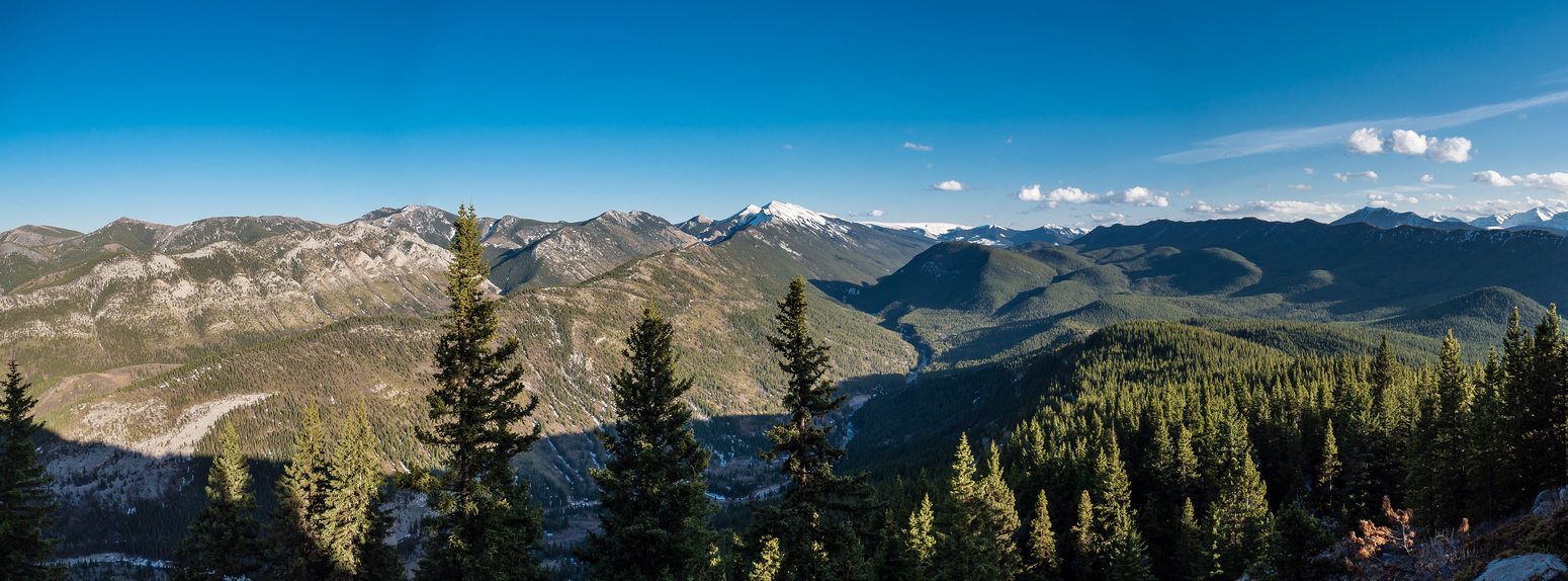 A nice view to the south over the Cataract Creek valley.]