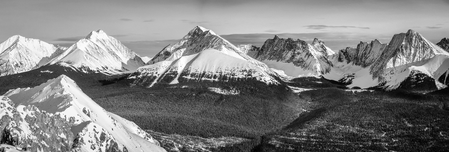 Pano of the popular peaks across the Spray Lakes road including Engadine, Tower, Galatea, Little Galatea, Gusty, Fortress and Chester (L to R).