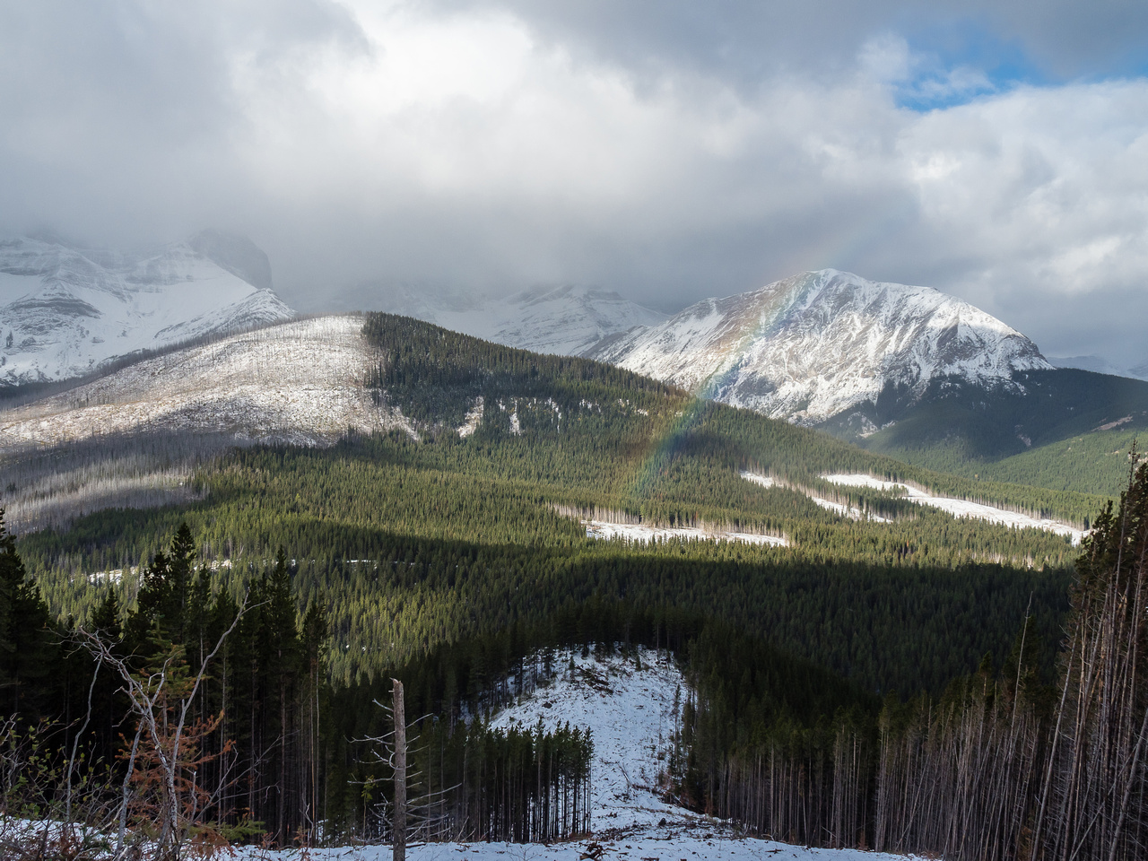 A rain (snow?) bow in front of Mount McLaren as I continue my descent.