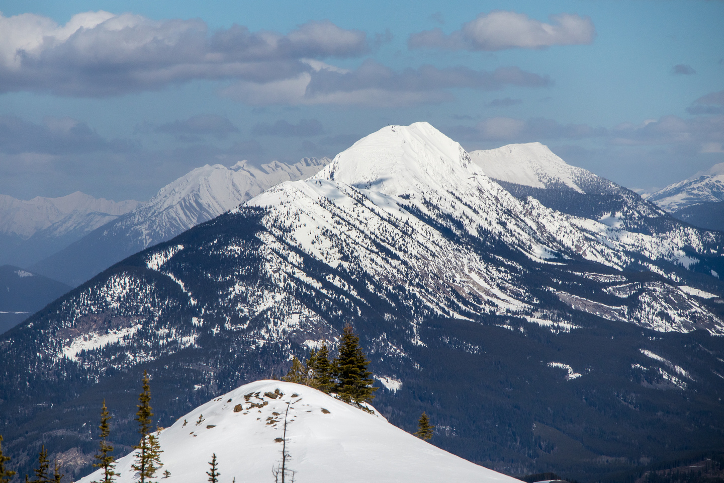 Mount Erikson lies directly north of Tent Mountain.
