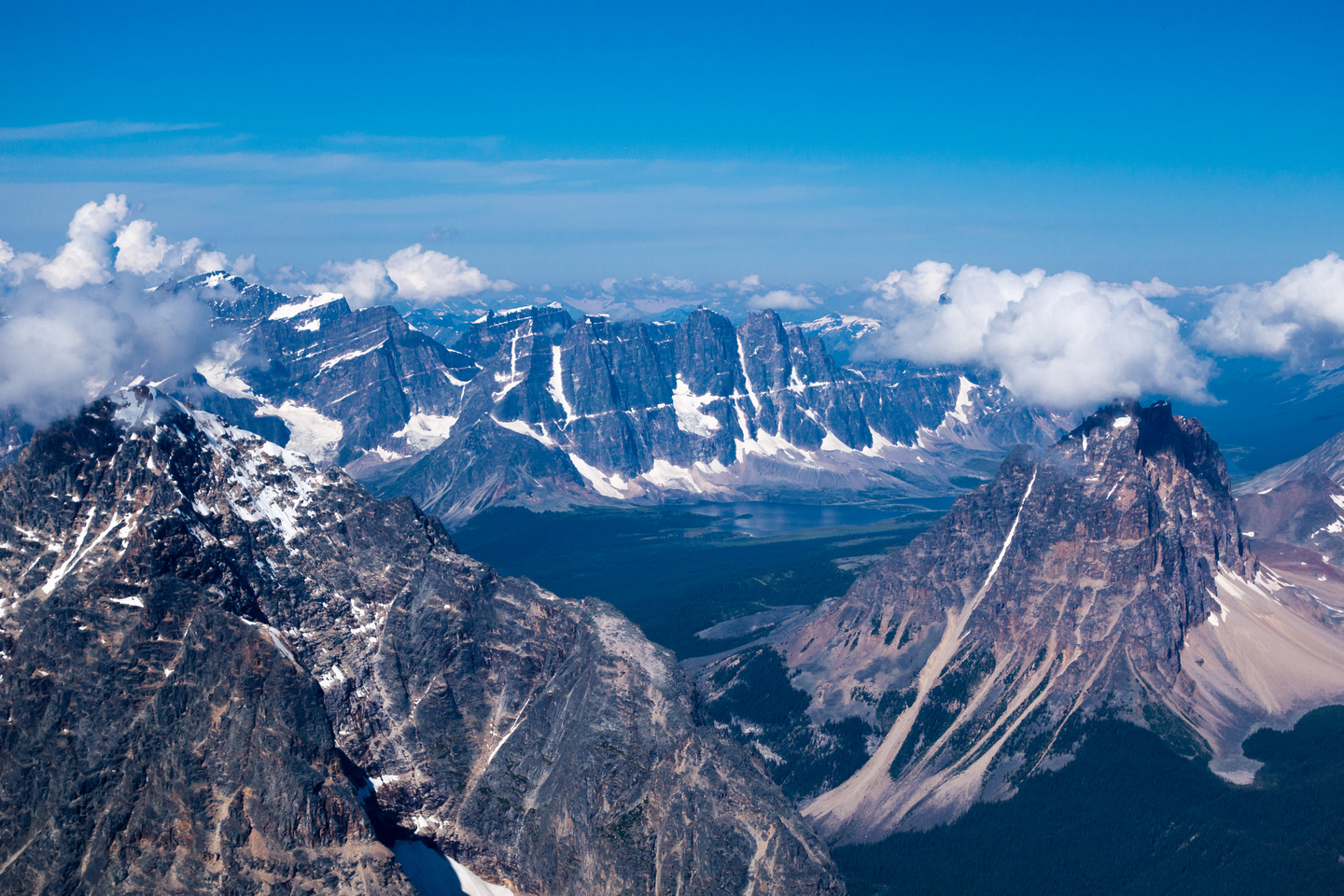 Dramatic views into the Tonquin Valley, Oldhorn on the right and Throne on the left.