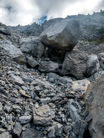 My lens started fogging up part way up the gully. This is a critical decision point - obvious with the balanced boulder.