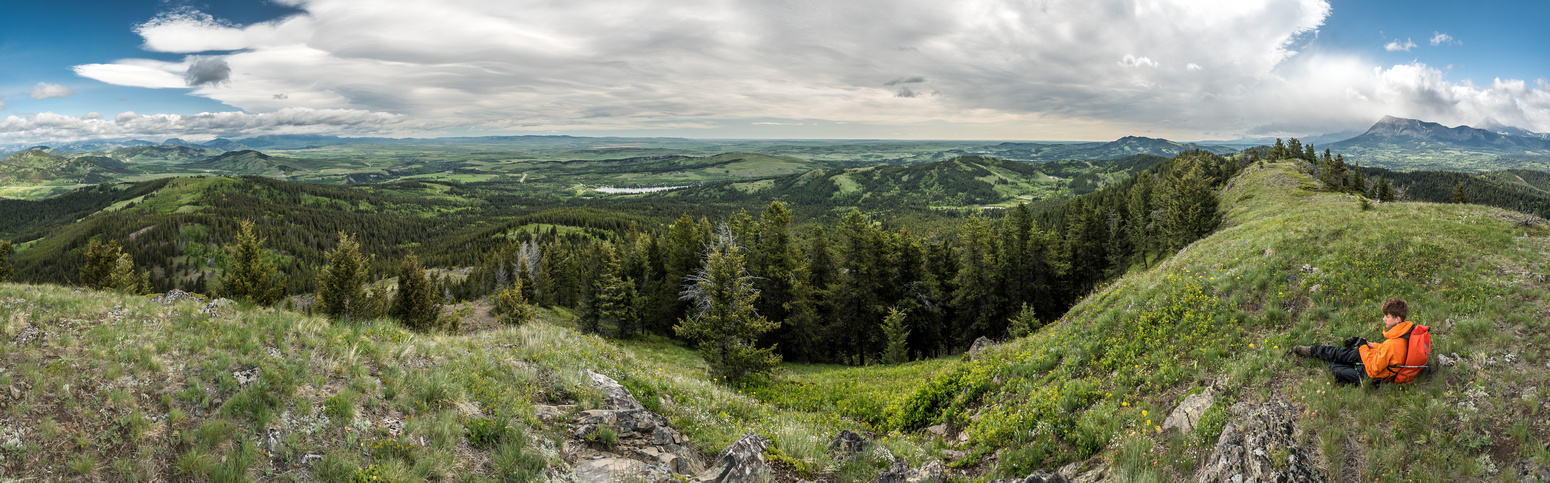Looking over Baldy (l), Beauvais Lake (c) and our exit ridge (r) with Prairie Bluff at far right.