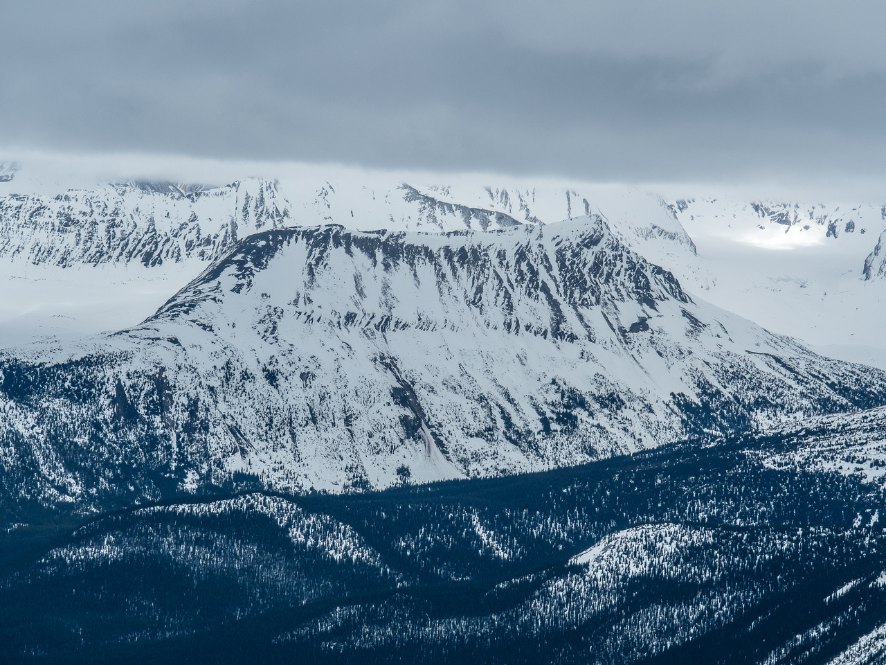 An unnamed ridge above Moose Pass.