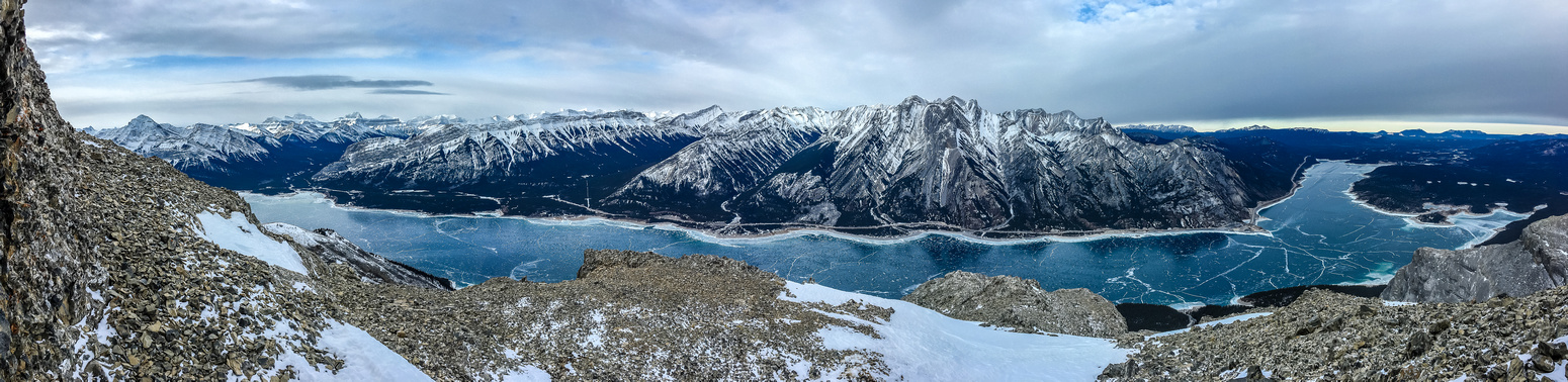 Great panorama from back on the ridge, just under the crux, now includes the far eastern arm of the lake and the Bighorn Dam