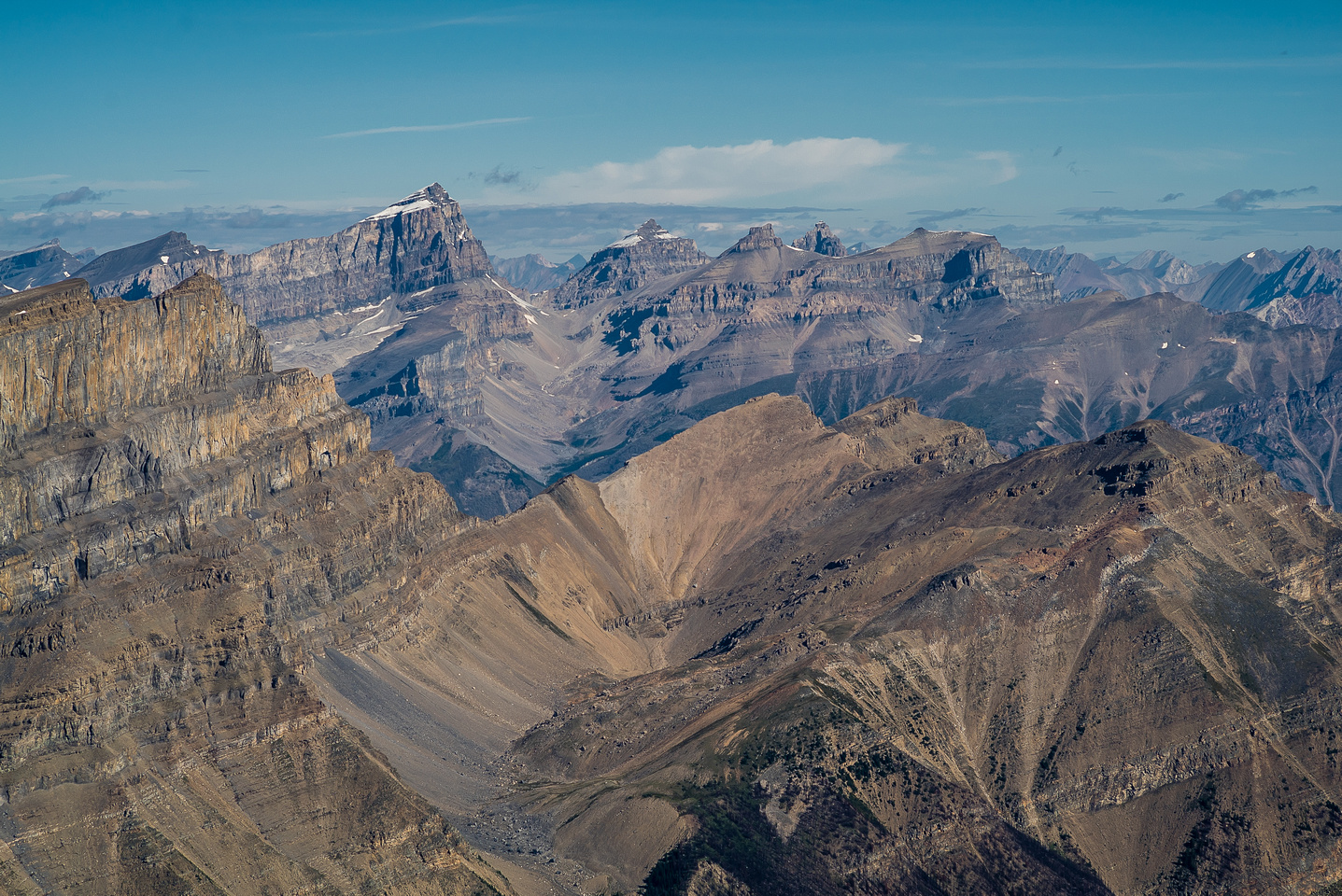 Amazing view of Corona Ridge (L) with Cline, Troll, Lion, Dasent and Lioness peaks beyond.