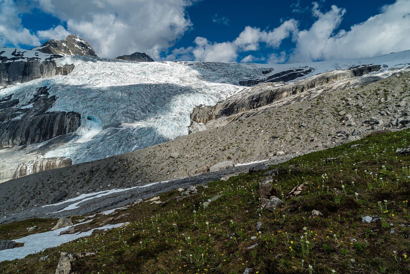 We approach a major terrain feature beneath the glacier - a large lateral moraine.