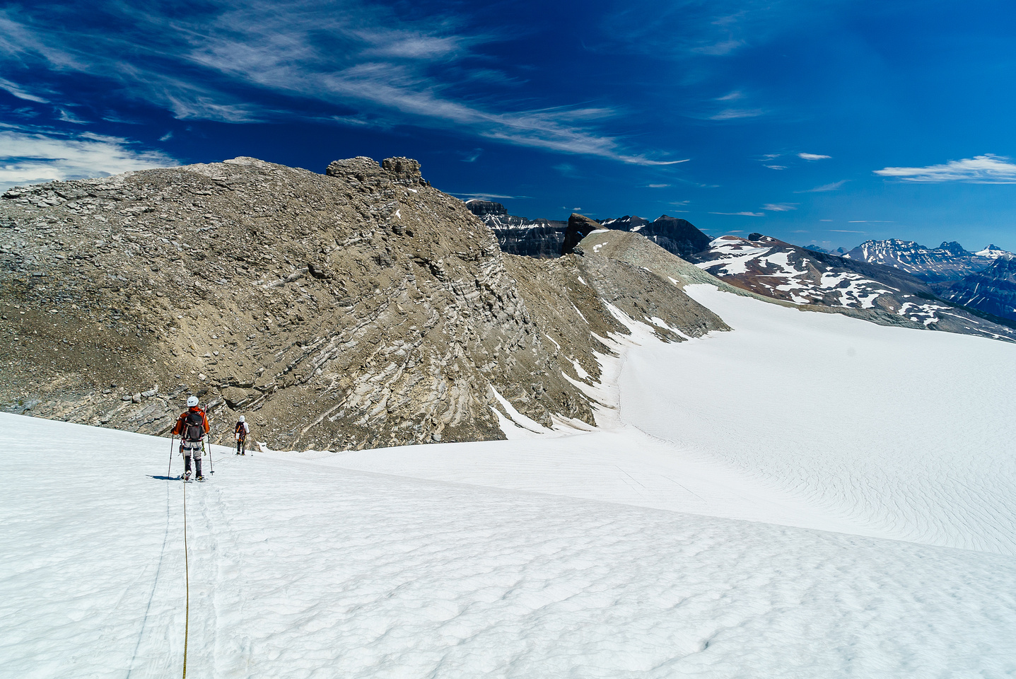 Losing hundreds of meters of height into the baking hot bowl just west of Arctomys ascent ridge.
