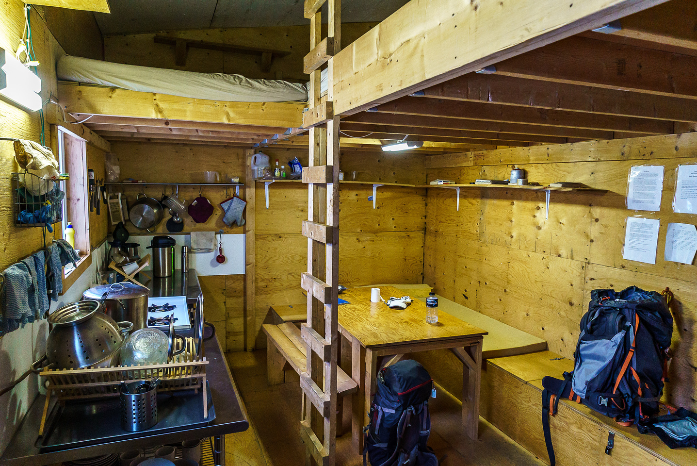 The hut is neat and organized. 12 people would be tight though!
