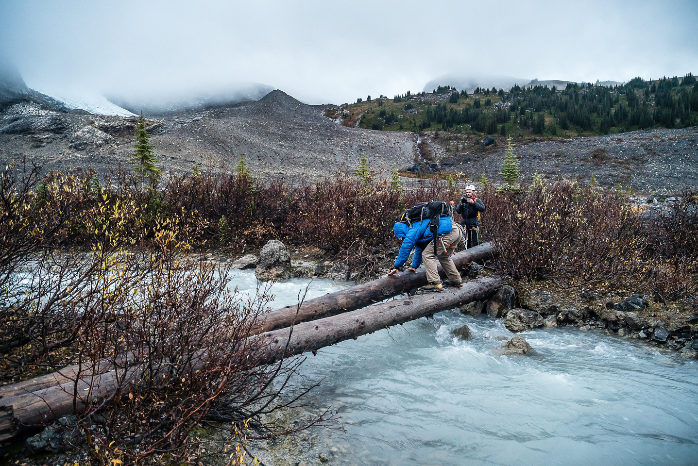 Crossing a pretty fast-flowing outlet stream from the Alexandra Glacier that becomes South Rice Brook. These logs were very treacherous!