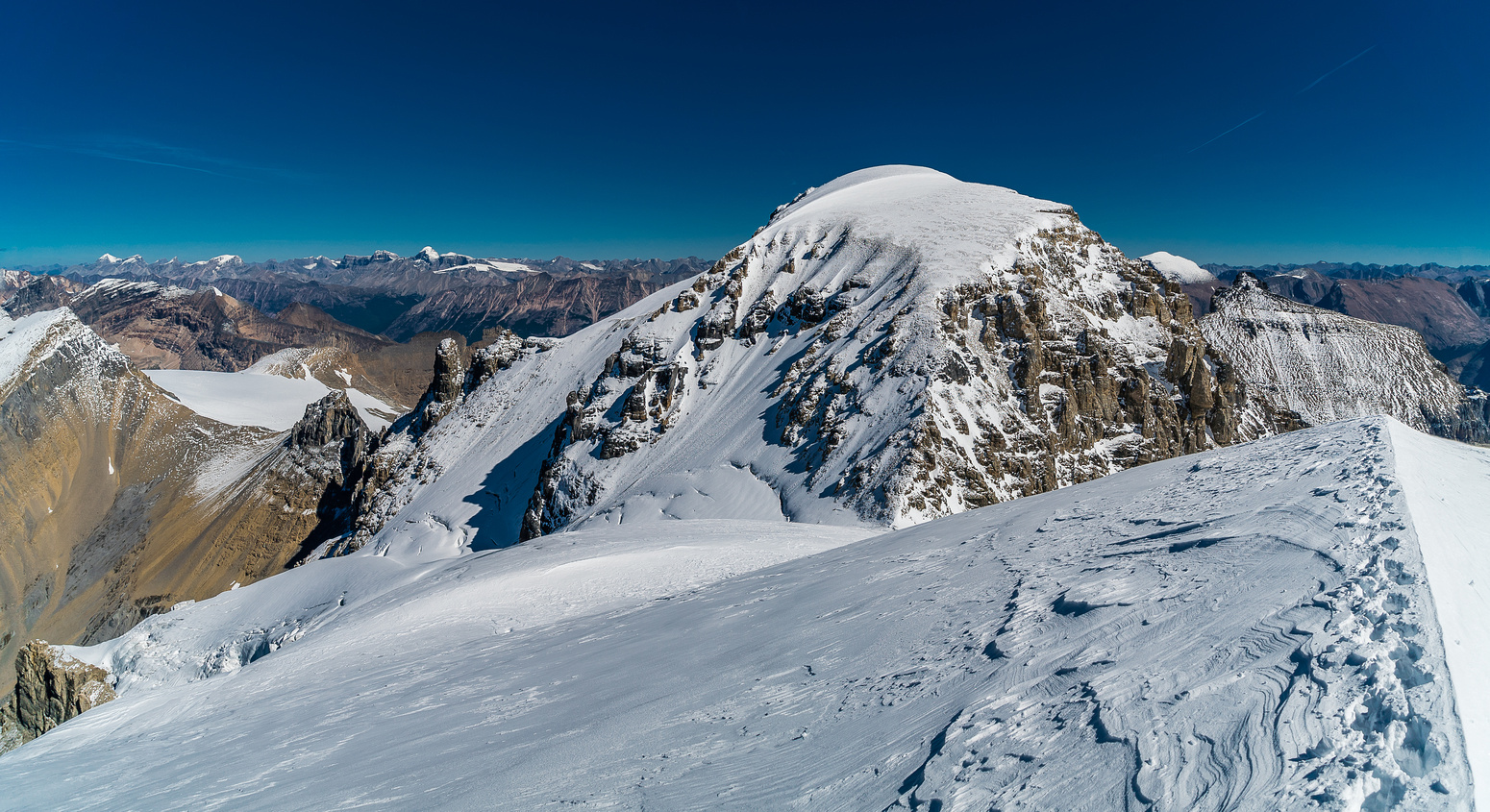 Easy terrain to the Diadem col, but there are crevasses here so be cautious.