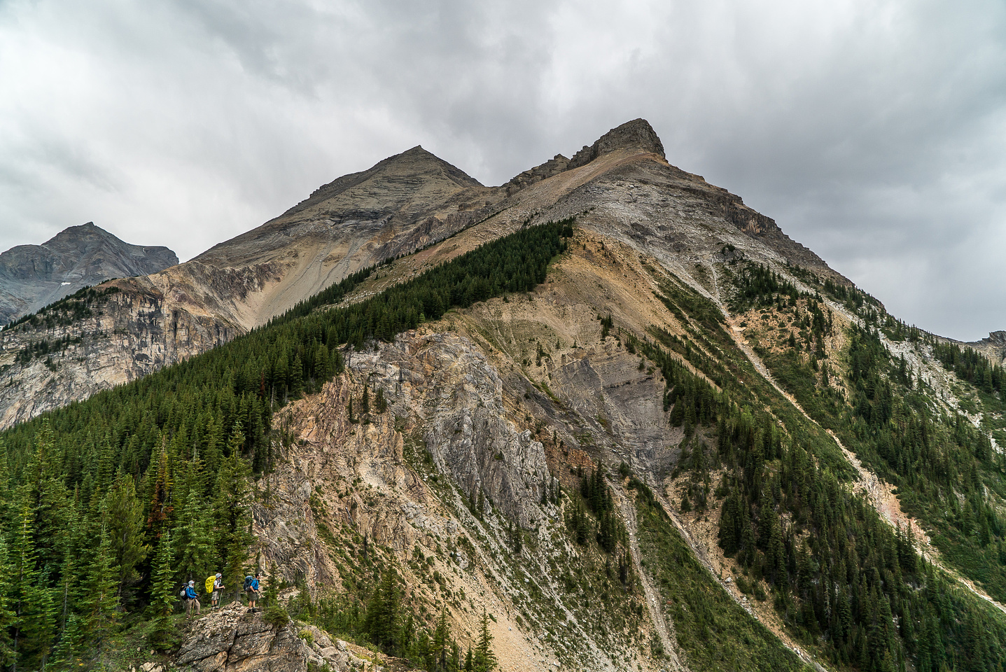 The high summit on the far left is an outlier of Harrison and is higher than Smith but unnamed - Harrison SE2 on Bivouac.
