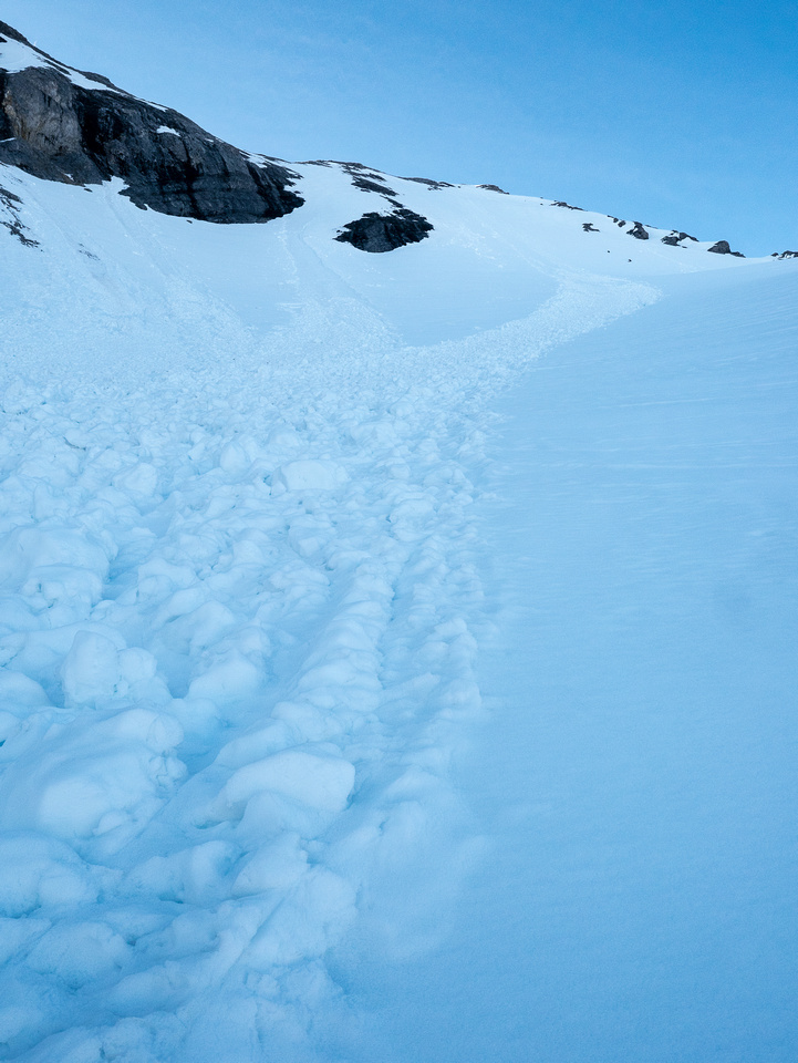 Looking up the avy debris at our ascent slope.