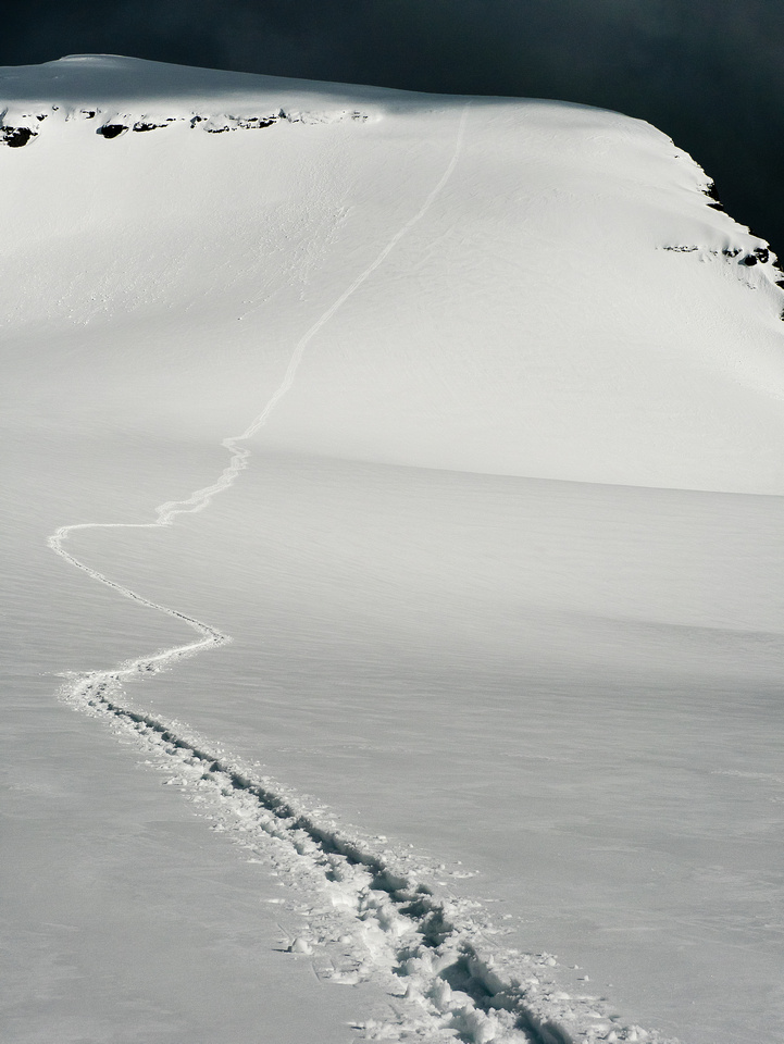 Tele of our great ascent / descent tracks. Straight up.