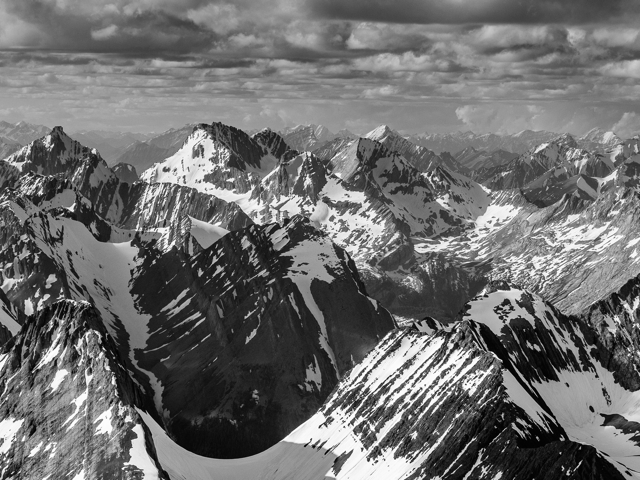 Northover's summit is in the lower left with Putnik and Beatty in the distance.