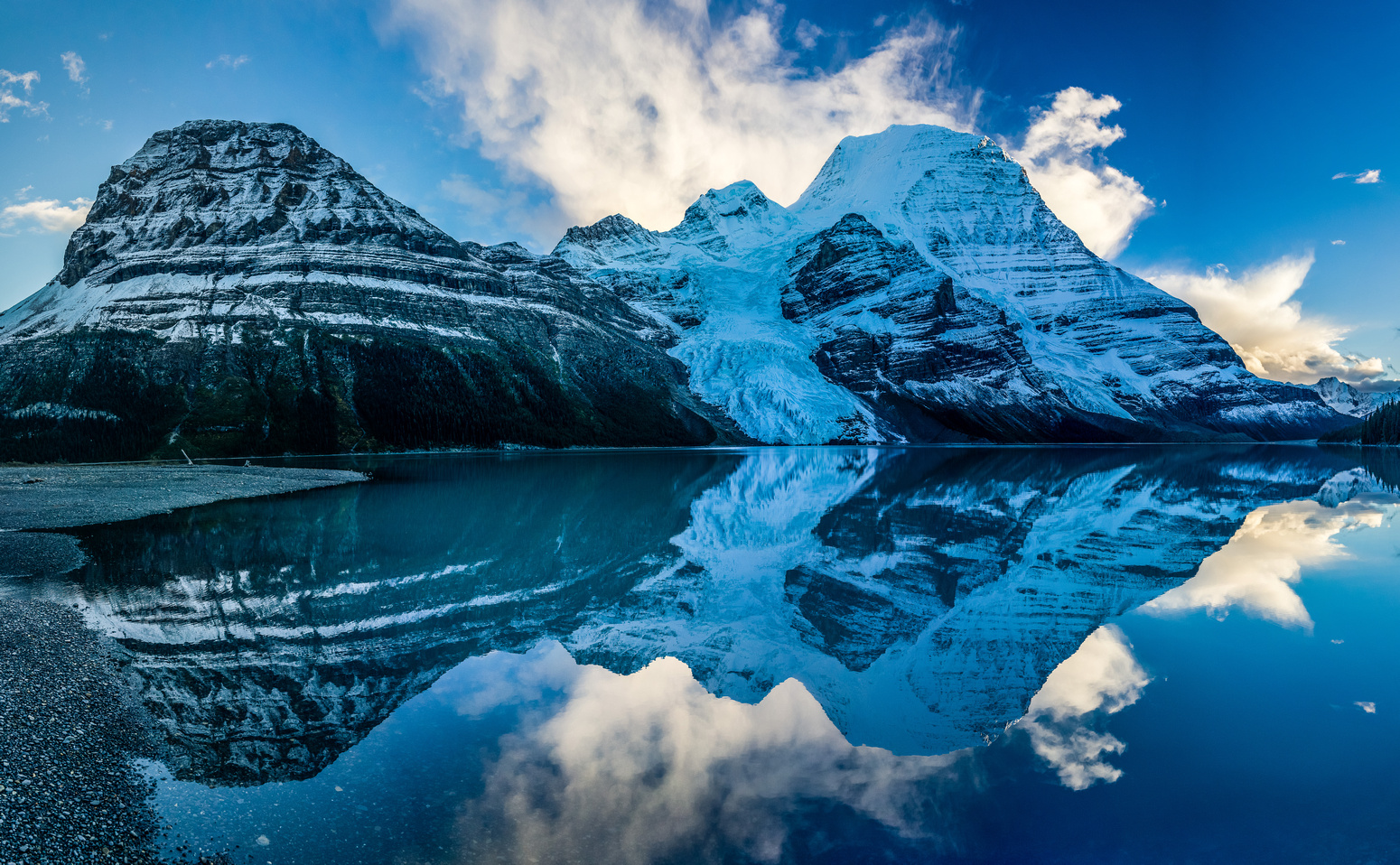 The sky cleared out in the evening and gave me this great shot of Robson and Rearguard reflected in Berg Lake.