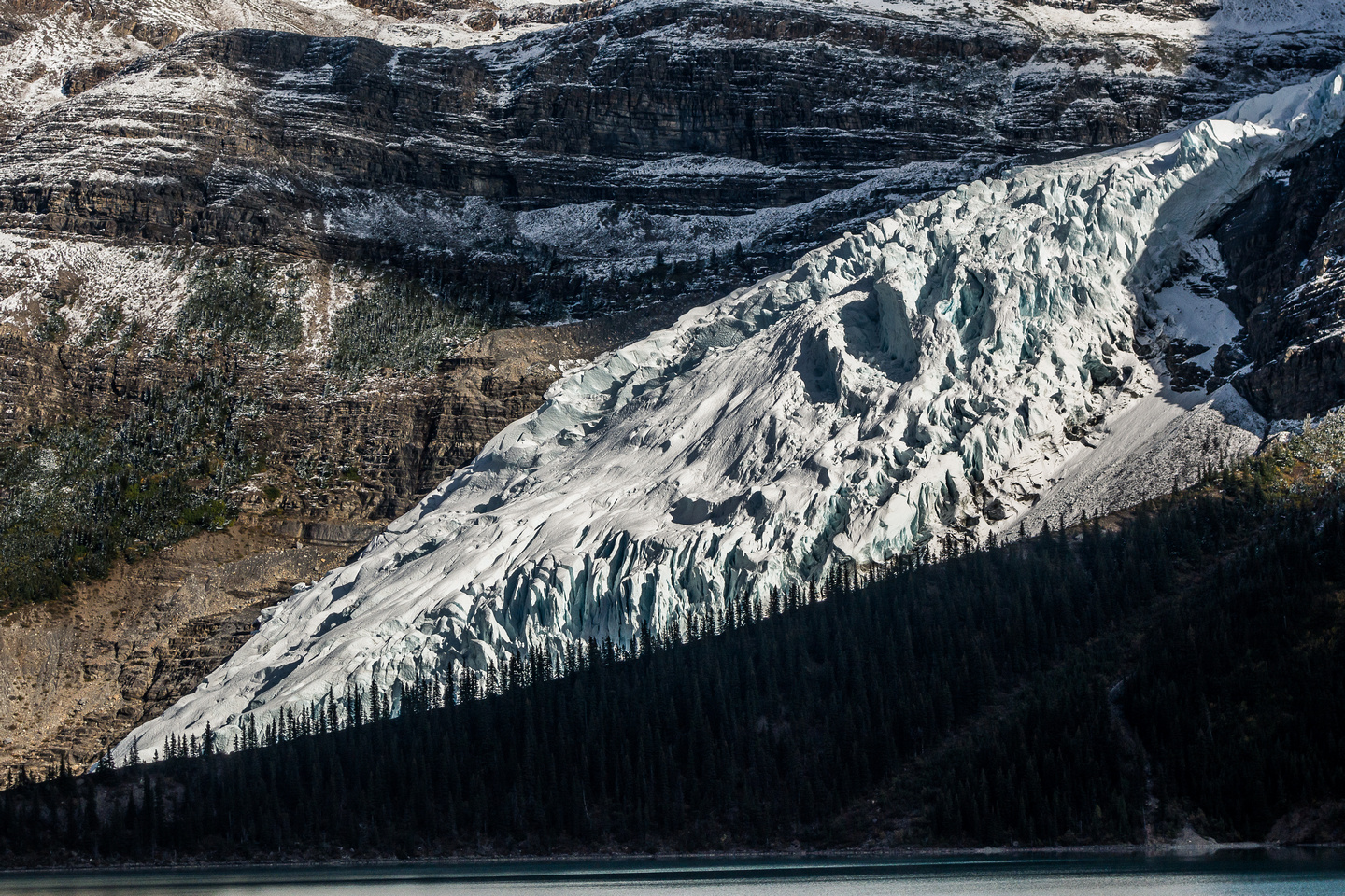 I get my first good view of the Berg Glacier plunging into Berg Lake.