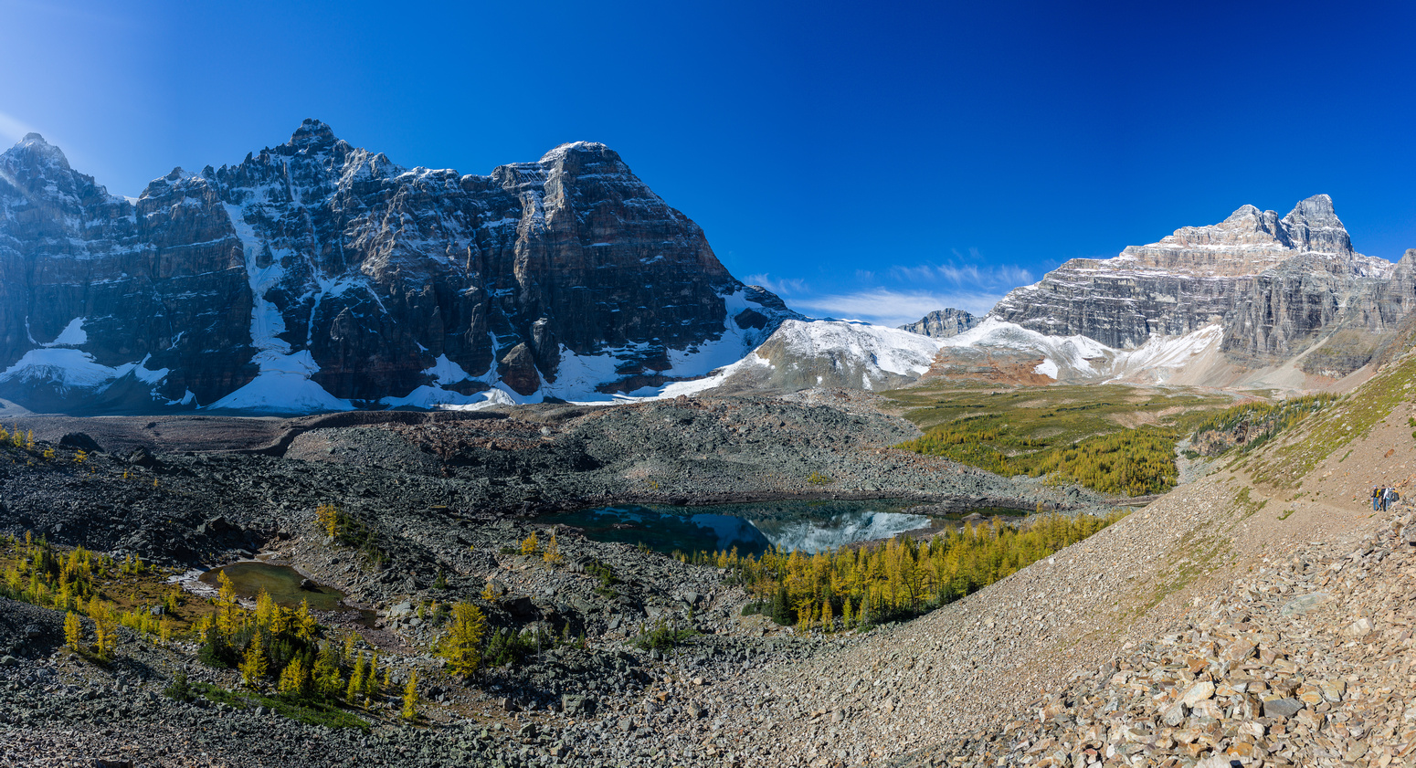 A beautiful fall day. Eiffel Lake, Deltaform, Wenkchemna, Hungabee (L to R) visible.