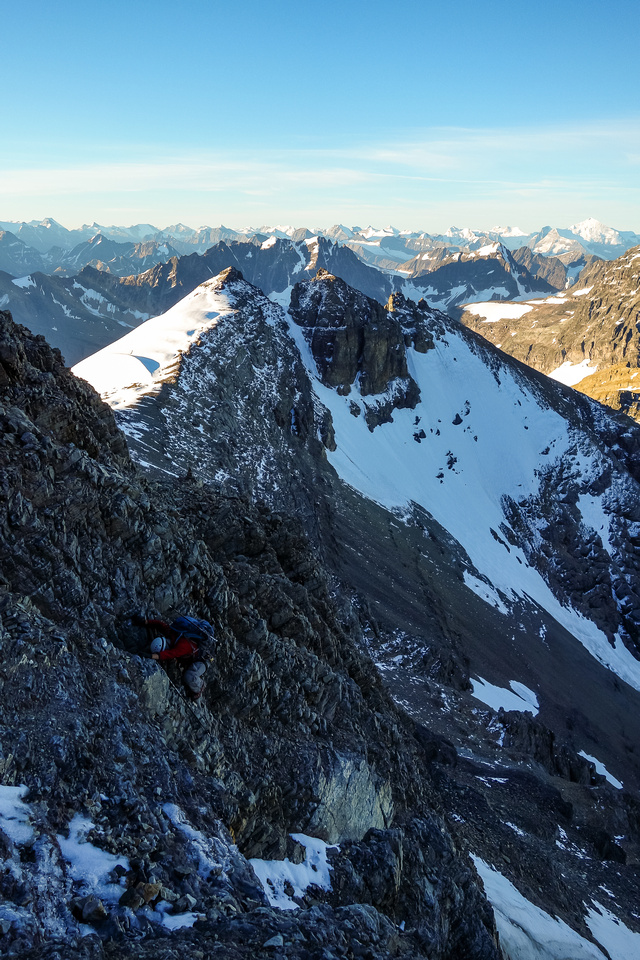 Some of the scrambling on the rising traverse was exposed and steep. And LOOSE.